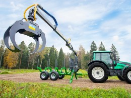 Traktorová vyvážečka dřeva Farma