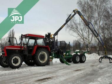 Traktor Zetor a vyvážečka