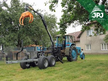 Vyvážecí vlek Vahva Jussi 2000+_320 a traktor Zetor
