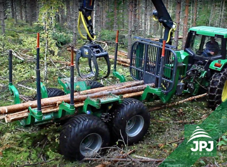 Vyvážečka dřeva FARMA T14 4WD